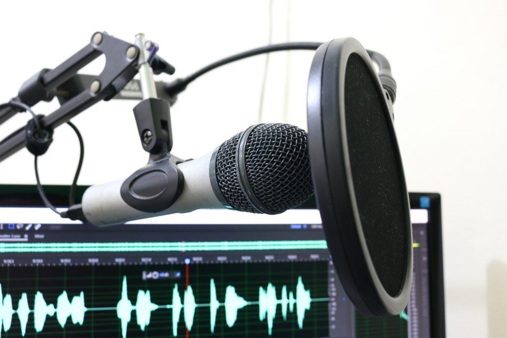 לומדים בכיף הקשיבו לתוכניות מעניינות ברשת א'